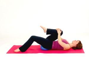 hip_flexor_stretch_with_the_pilates_ball_555__1